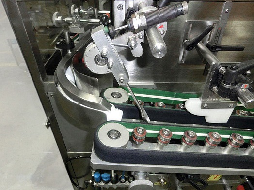 PPS a/s bottle unscrambler from Pharma Packaging Systems